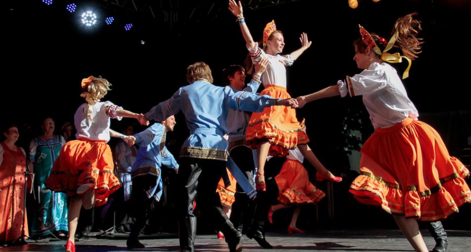 Foto de apresentação musical da festa do imigrante